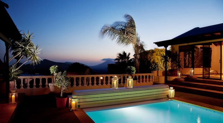 Villa Dora Bella: spectacular volcanic views!