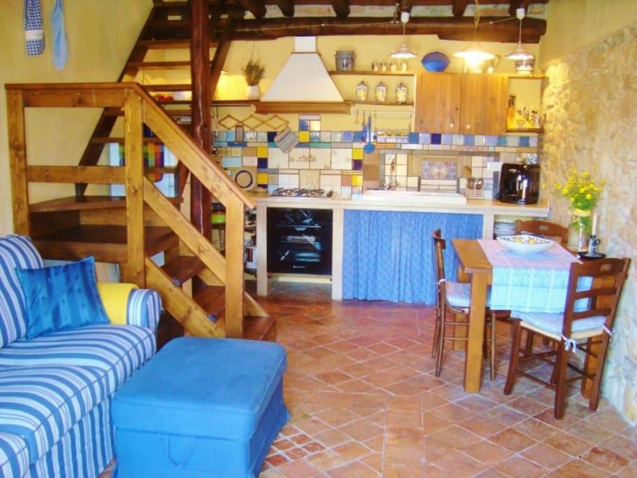 Wohnküche mit Ausziehcouch