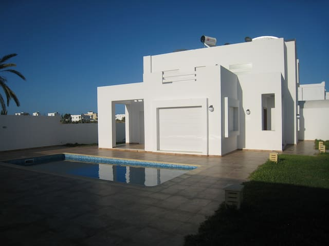 Villa RAYHANA avec piscine
