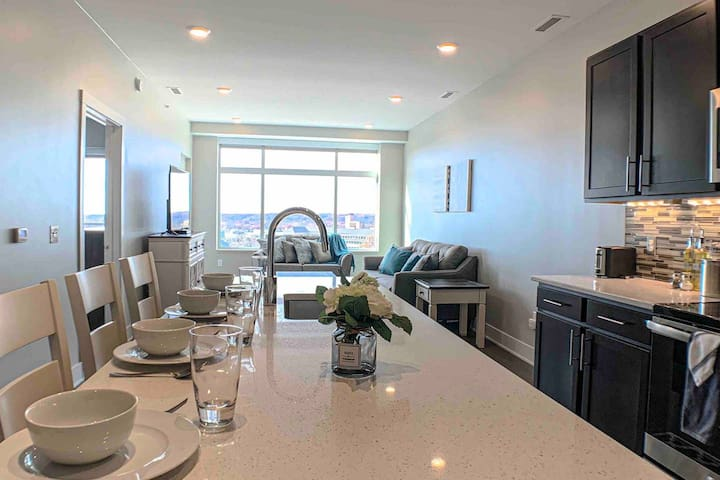 Mitten | Downtown | Luxury Executive 2BR