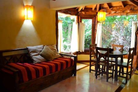 Mágica cabaña en el bosque nativo de Bariloche - 聖卡洛斯-德巴里洛切 - 小木屋