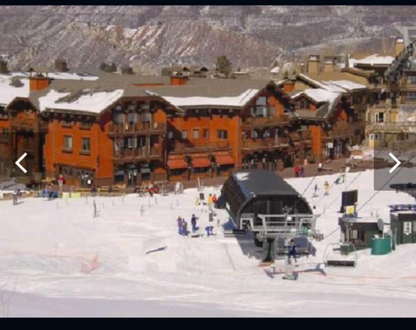 Ritz Carlton Ski in/ski out Aspen Highlands