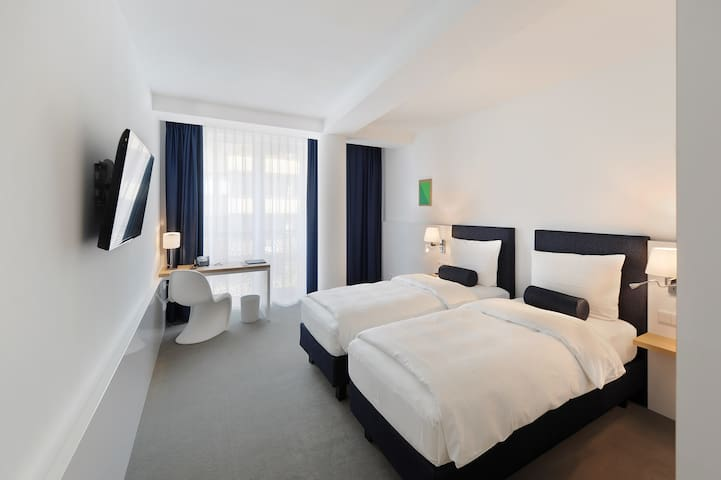 Twin Room in 3.5-Star VI VADI HOTEL BAYER 89