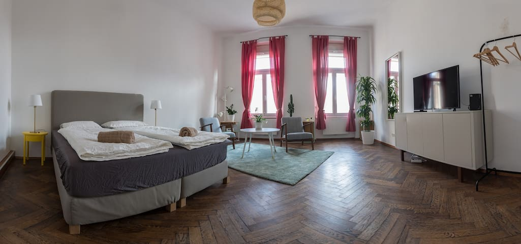 Charming apartment with balcony - Graz - Apartamento