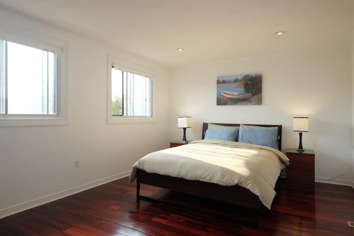Sunlit Master Bedroom, near UP Express/ GO Station