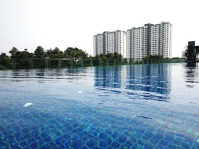 Bukit Indah,Tesco 2BR 1-6pax High Floor Unit 中文房东