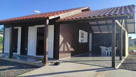 Casa nova a uma quadra do mar - Passo de Torres,SC