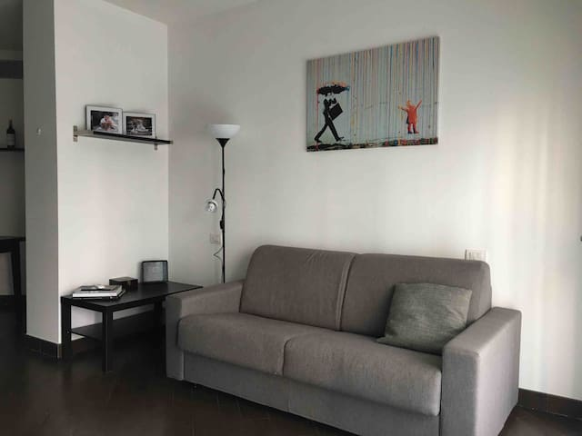 City Center Flat with Private Parking
