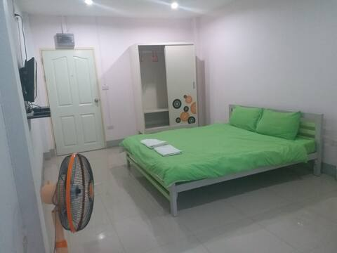 Standard Room with Fan at Chawalee Place