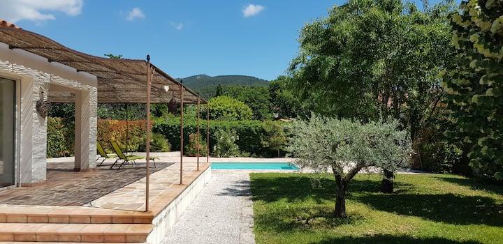 Studio indépendant à la Villa Garlaban