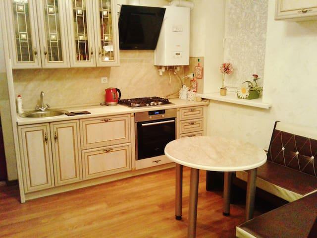 Уютный дом-таунхаус - Oremburgo - Casa