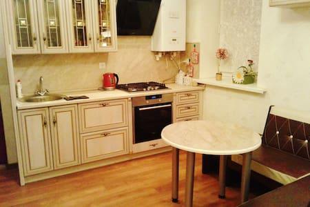 Уютный дом-таунхаус - Оренбург - Дом