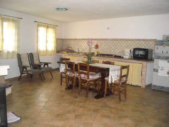 Graziosa casa vacanza - Nurachi - Haus