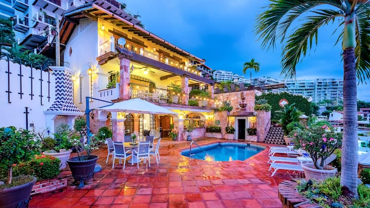 Incredible Casa Located In The Heart Of PVR