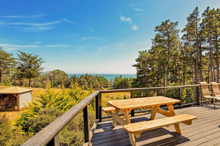 NEW LISTING! Ocean view home on 2.5 acres w/ private hot tub, deck & 2 kitchens