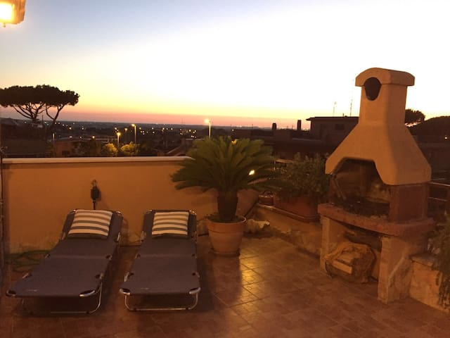 Natimar Attico Acilia - Rome - Appartement