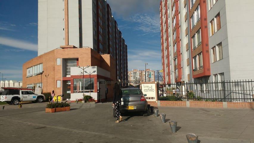 Cómodo apartamento cerca Aeropuerto - Bogotá - Appartement