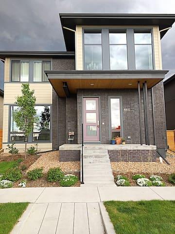 Luxury Home in Denver Neighborhood