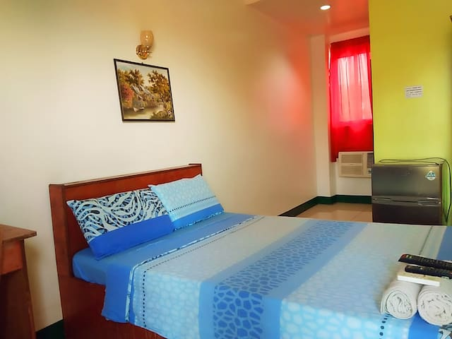 AOSMEC Square Hotel 201 (20 mins from airport)
