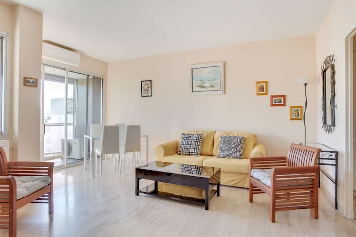 Airbnb 35 Boulevard Barral Vacation Rentals Places To
