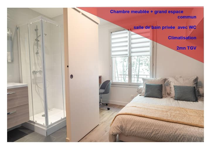 Le refuge : chambre meublée;  SDB(+WC) privative