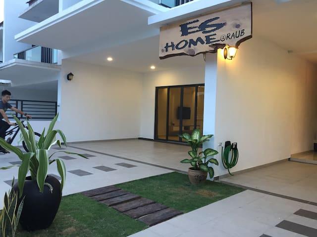 ES HOMESTAY RAUB 1