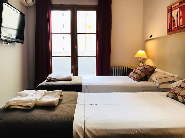 Private Suite in GuestHouse 5★ 《❤ Located in BA》