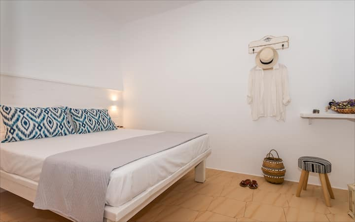 Krystalia's Apartment in Plakes, Milos