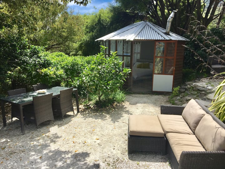 Rest & relax Glam Camping Summerhouse in Sounds