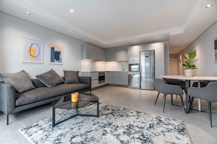 407 The Cosmopolitan, Sea Point Apartment