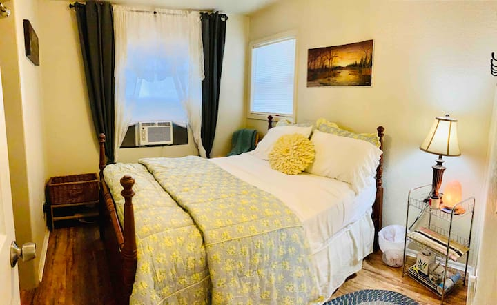 🏠 $50 Home Style Room FREE WIFI+ Wildflower Cafe🍳