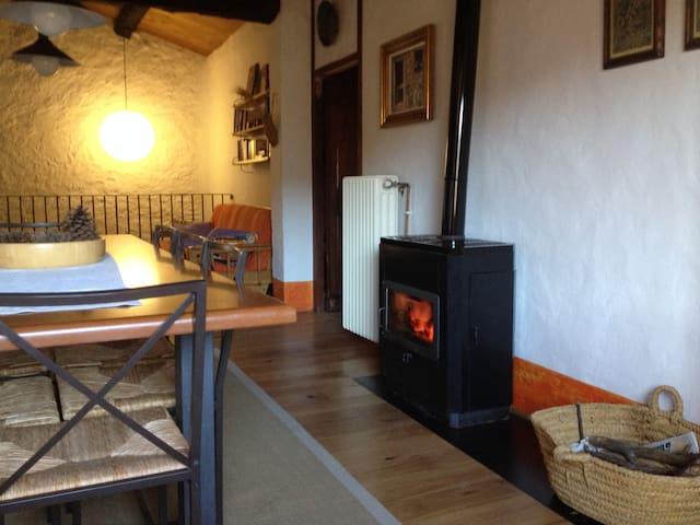 Habitació 2 en una casa rural en mig de la natura - Las Llosas - Villa