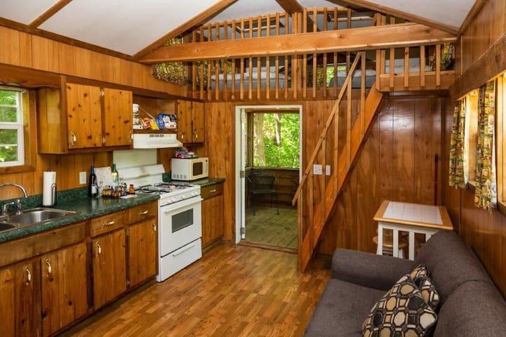 8 Person Cabin Platte City / Kansas City