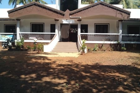 Cottage by the sea amidst scenic beauty @ Colva - Margao - Villa