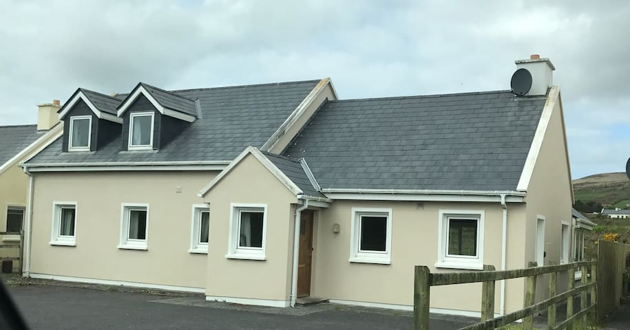 2 Cois Tra, Ballinskelligs, Co. Kerry