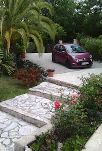 Chambre d'hôtes dans villa à Contes - Contes - Wikt i opierunek
