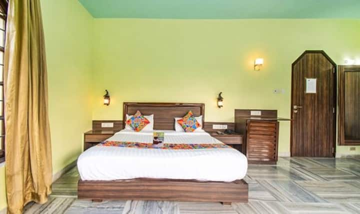 Deluxe rooms in Khandala | w shared pool