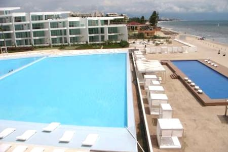 Beachfront condo with ocean view in Acqua Vallarta