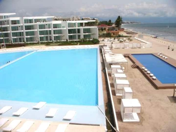 Beachfront condo with huge pools in Nuevo Vallarta