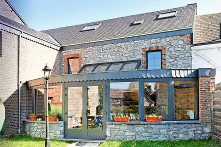 Stone Cottage with Sauna, Jacuzzi, a 5 min drive from the cave of Lorette in Rochefort