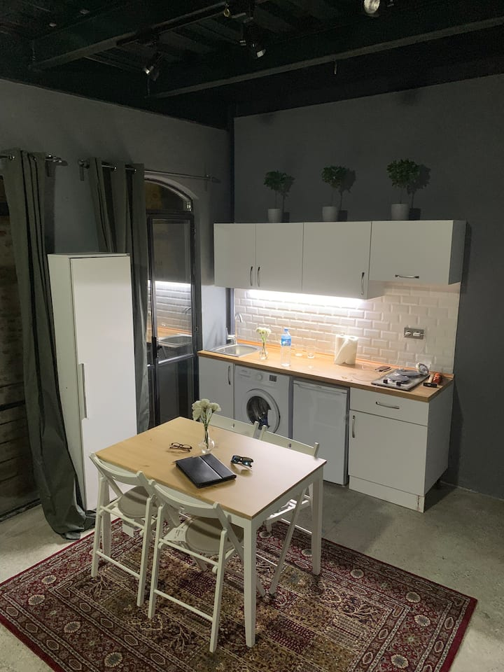 Pera loft new renovated apartment, historical bldg
