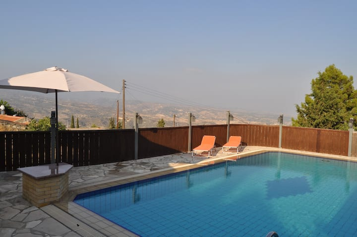 Luxury villa pachna with pool and fire place