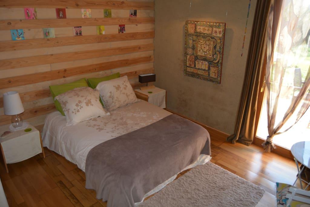 maison cologique brin de paille chambres d 39 h tes louer vallon pont d 39 arc auvergne. Black Bedroom Furniture Sets. Home Design Ideas