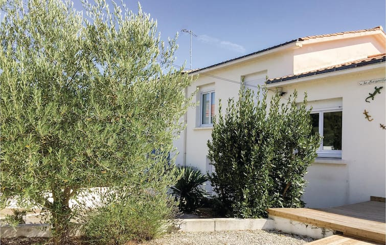 Semi-Detached with 5 bedrooms on 140m² in La Tranche sur Mer