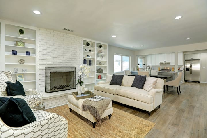 Perfectly Appointed North Hollywood Modern Home! - Los Angeles - Huis