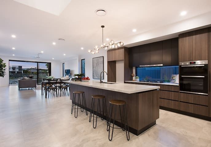 Gourmet kitchen with a 3m island bench, Bosch appliances and butler's pantry