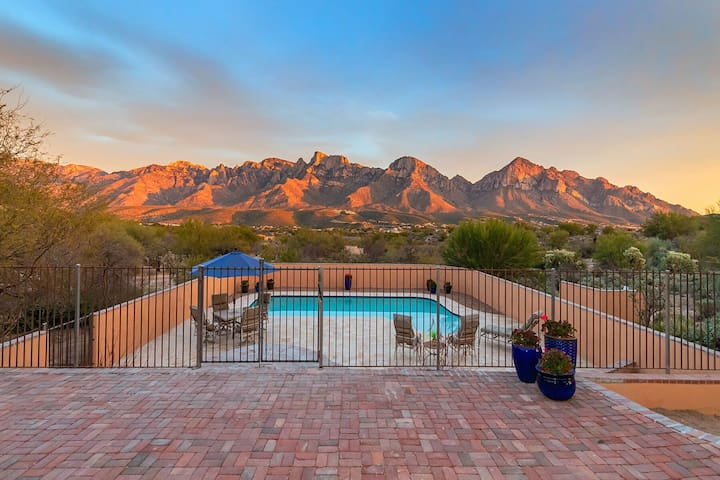 SW CHARM with Heated Pool and Huge Catalina Views