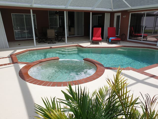 Gorgeous Sandpiper Bay 3 bed heated pool +Jacuzzi