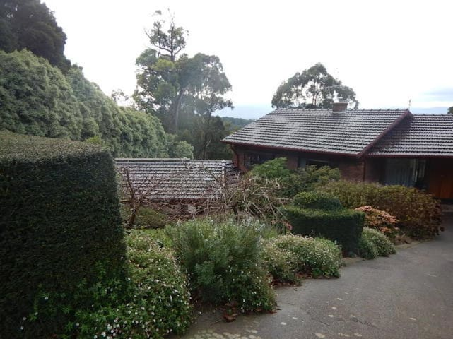 High Grange - Your  Hideout in Dandenong Ranges