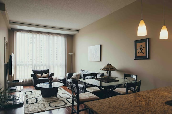Newly Listed SW Condo - Sleeps 2, Very Private